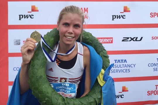 Maria Larsson vann 30 km-loppet med knappt två minuter före Malin Ewerlöf. Foto: Deca Text&Bild