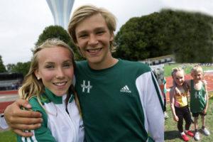 Stina Gustavsson och Carl af Forselles vann båda USM-guld i Vellinge i somras och tillhör våra mest lovande i 15-årsklasserna. Foto: Deca Text&Bild (stora bilden) och Stina Gustavsson (infällda)