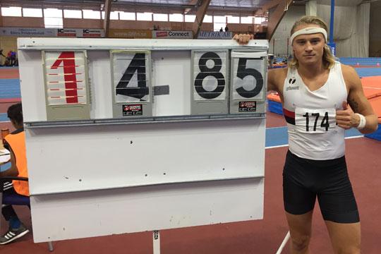 4.85 i stav innebar en tangering av farbror Stefan Samuelssons släktrekord. Foto: Jonas Hedman