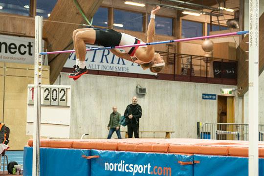 Stabil förstadag i sjukamp för Fredrik Samuelsson med bl a 2.02 i höjd. Foto: Mattias Magnusson